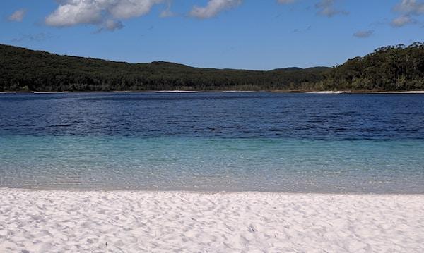 フレーザー島 マッケンジー湖